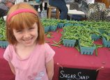 A young market goer enjoys the Hollywood Farmers Market. (Hollywood Farmers Market)